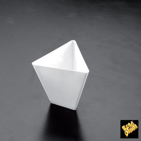 Set 25 cupe albe forma triunghi 70 cc